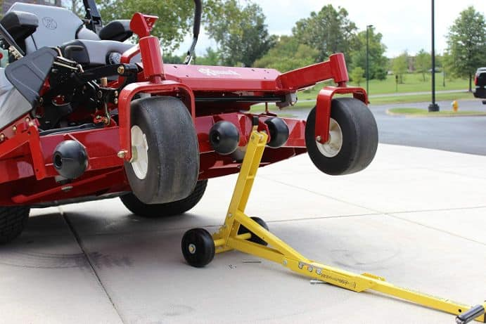 Jack-up-a-lawn-mower