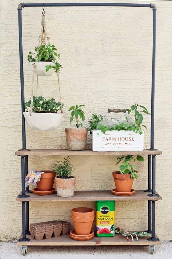 Hang-plants-shelf